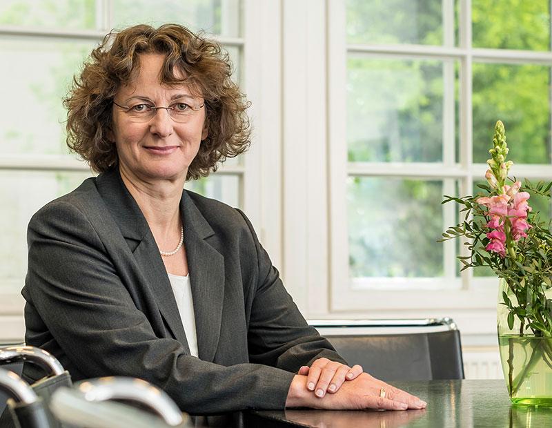 Dr. Claudia Keiser Portrait